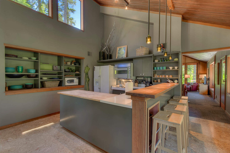 2140 John Scott Trail Alpine-large-009-Kitchen-1500x1000-72dpi.jpg