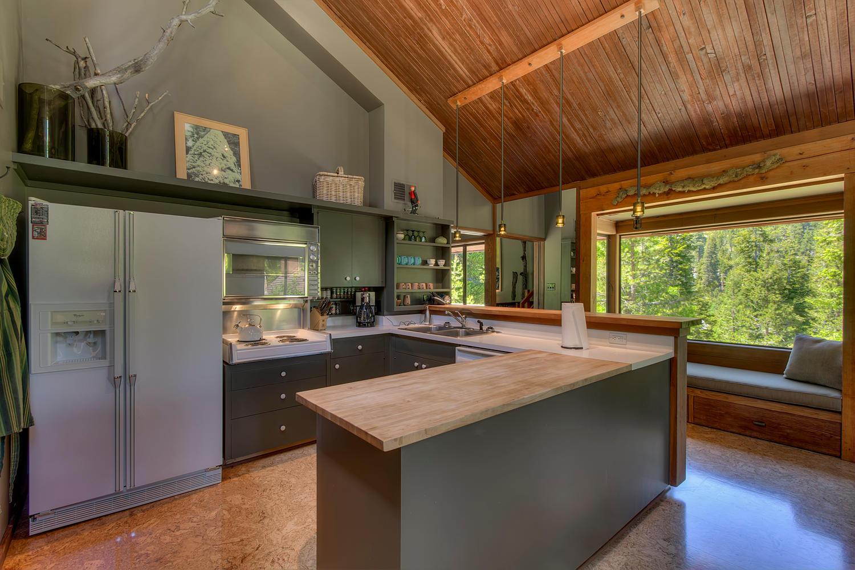 2140 John Scott Trail Alpine-large-010-Kitchen-1500x1000-72dpi.jpg