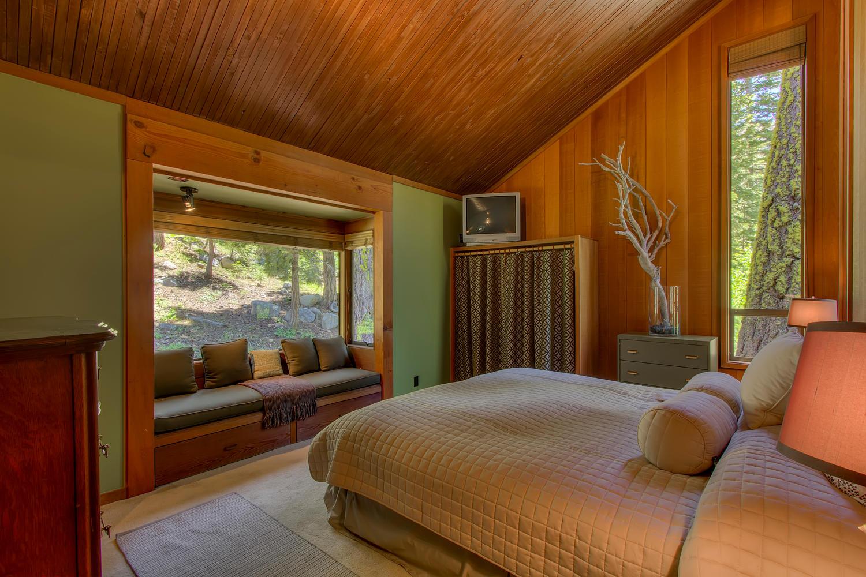 2140 John Scott Trail Alpine-large-012-Master Suite-1500x1000-72dpi.jpg