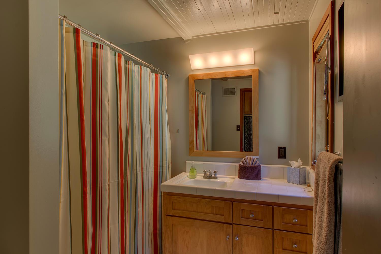 2140 John Scott Trail Alpine-large-014-Master Bathroom-1500x1000-72dpi.jpg
