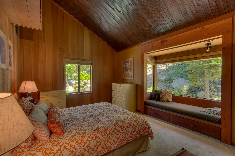 2140 John Scott Trail Alpine-large-015-Guest Bedroom-1500x1000-72dpi.jpg