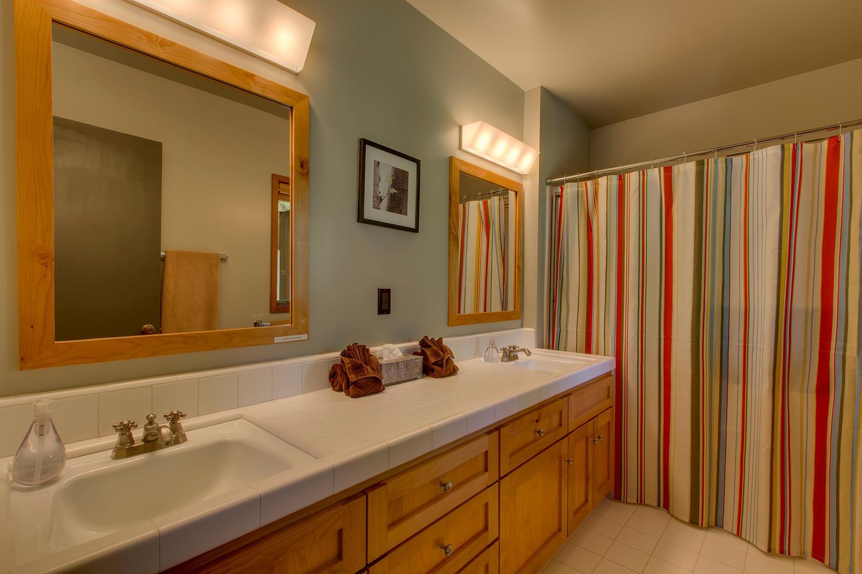 2140 John Scott Trail Alpine-large-019-Guest Bathroom-1500x1000-72dpi.jpg