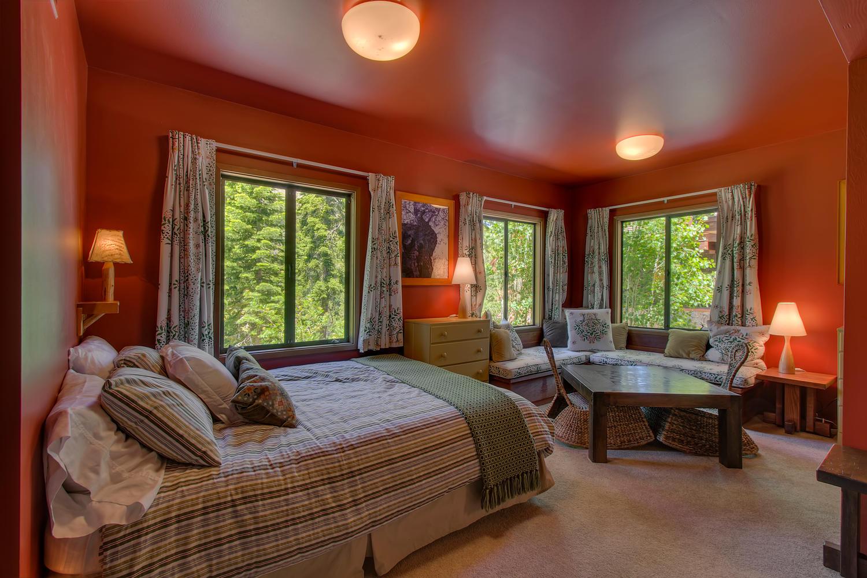 2140 John Scott Trail Alpine-large-018-Guest Bedroom-1500x1000-72dpi.jpg