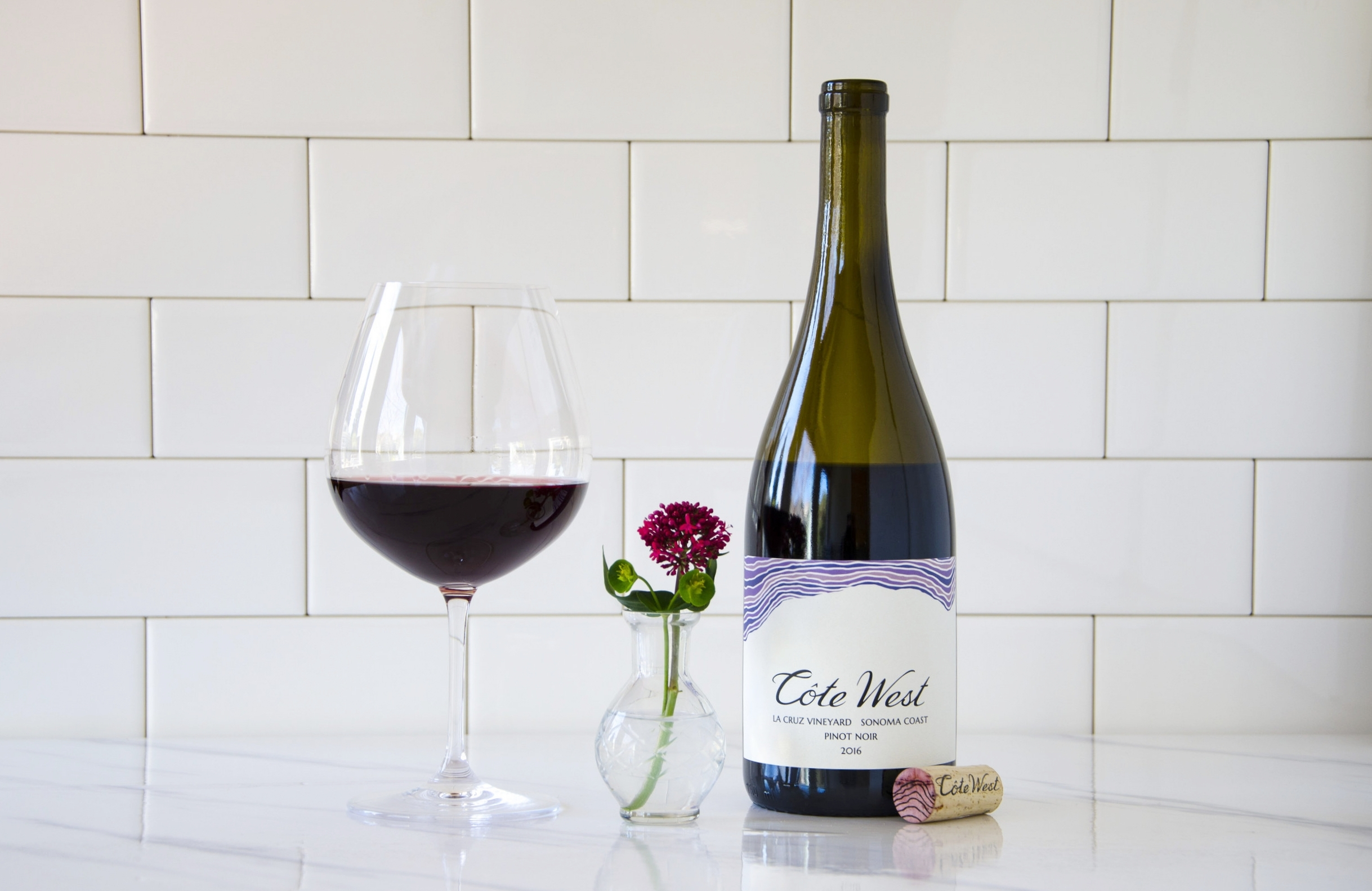 2016   La Cruz Sonoma Coast Pinot Noir   Undeniably Pinot Noir. Strawberry and sarsaparilla with a seductive body, supple tannins and pleasant acidity.