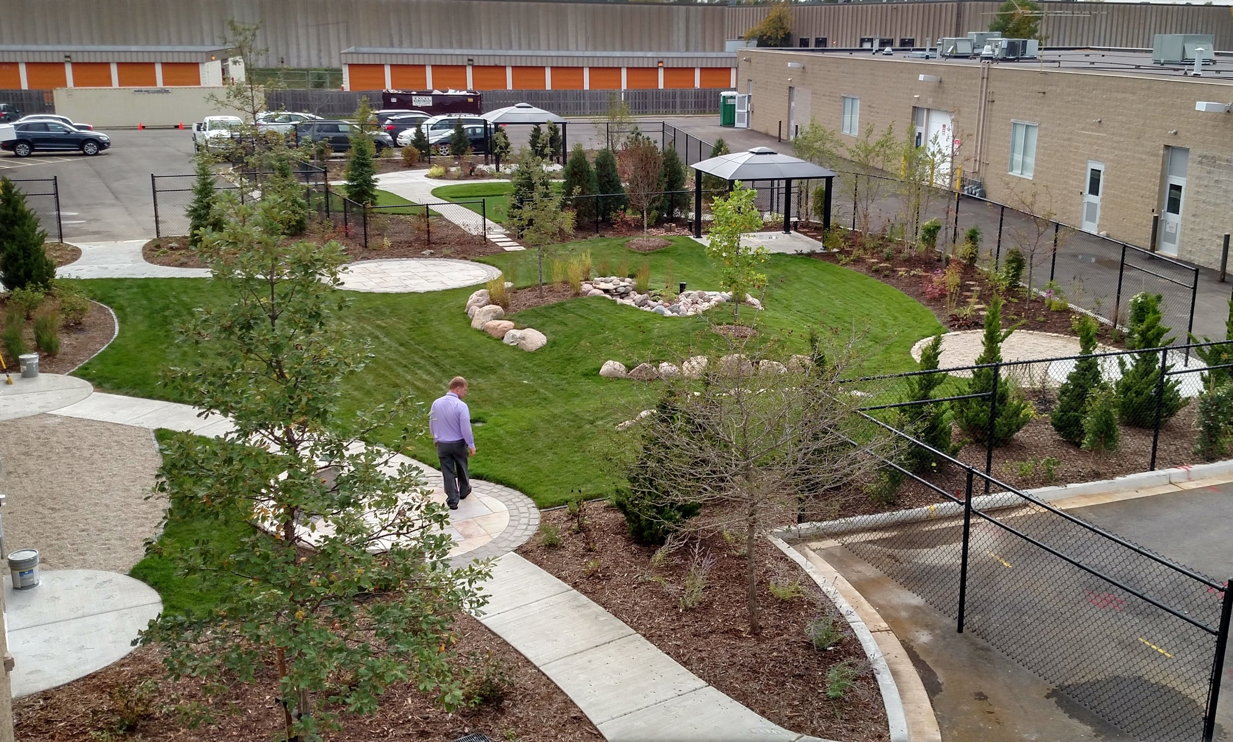 Rogers Brown Deer Hospital Outpatient Therapy Garden (2).jpg