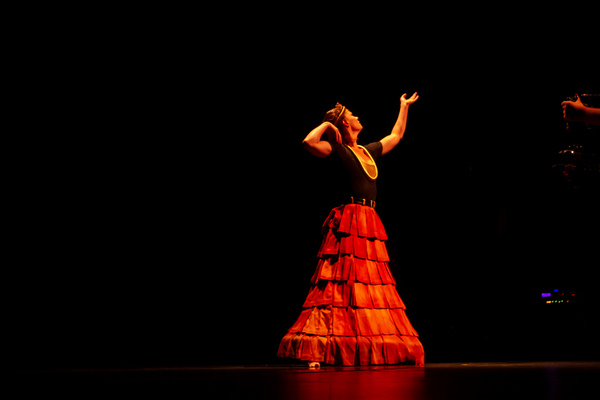 """Laura Halzack performing an excerpt from  Paul Taylor 's """"Images"""" at the Dancers For Good Benefit 2019. Photo by Shin Kurokawa."""