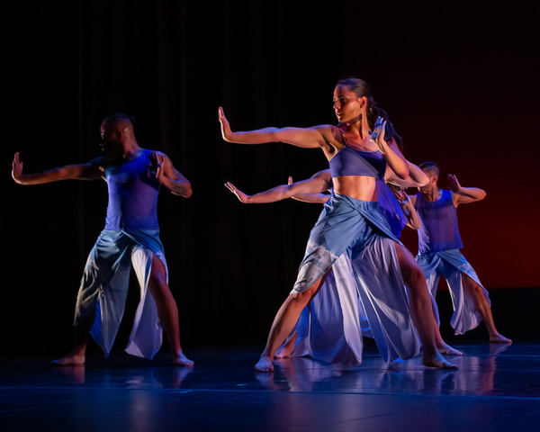 """Amy Marshall  Dance Company in """"One Breath"""" performing at the Dancers For Good Benefit 2019. Photo by Shin Kurokawa."""