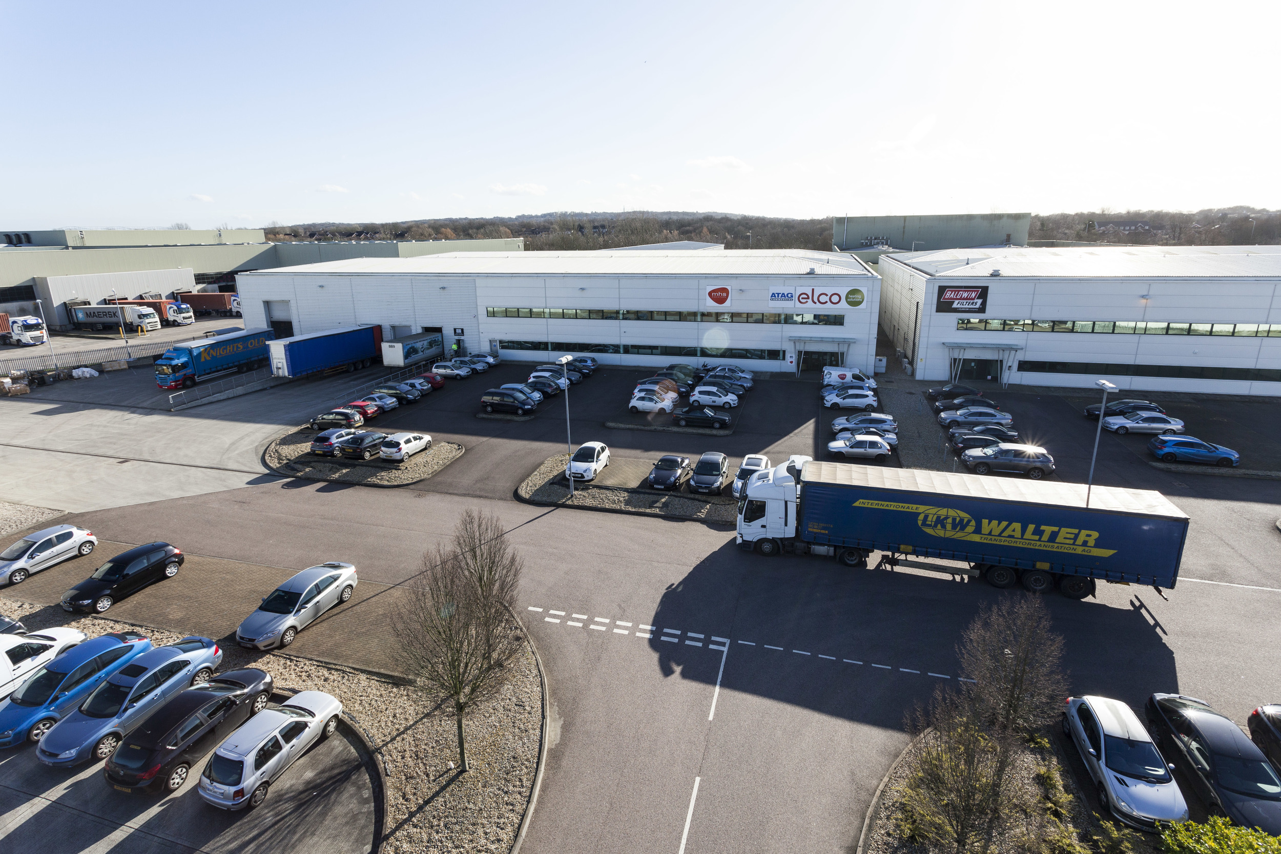 INVESTMENT - SALE    Modular Heating Group - Basildon   41,396 sq ft South East Distribution Warehouse   Client:  Aberdeen Asset Management   Purchaser:  London Metric Property PLC   Price:  £3,836,000 - 6.53%