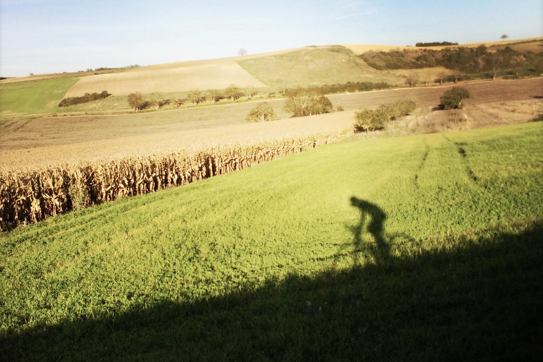 Formules Vélo & Randonnée - Hiking & Biking - Wandel & Fiets - ° pour les pros et les amateurs : c'est génial en Auvergne!° for both pros and amateurs : the circumstances are just perfect around here, in the Auvergne region° zowel voor profs als liefhebbers : het is hier heerlijk wandelen en fietsen in de Auvergne