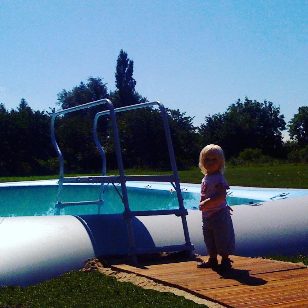 Chateau des Edelins child friendly pool