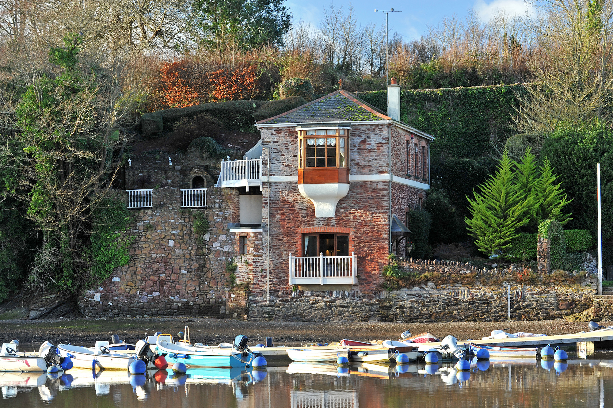Boathouse_002_s.jpg