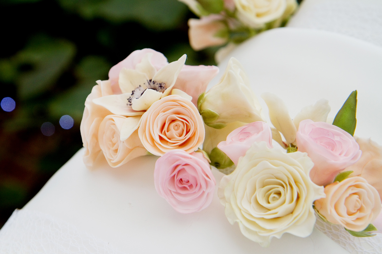 Icing Roses, Wedding Cake, Helen England Photography, Kent, U.K