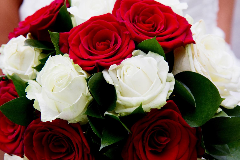Red & White Rose Bouquet, Helen England Photography, Kent, U.K