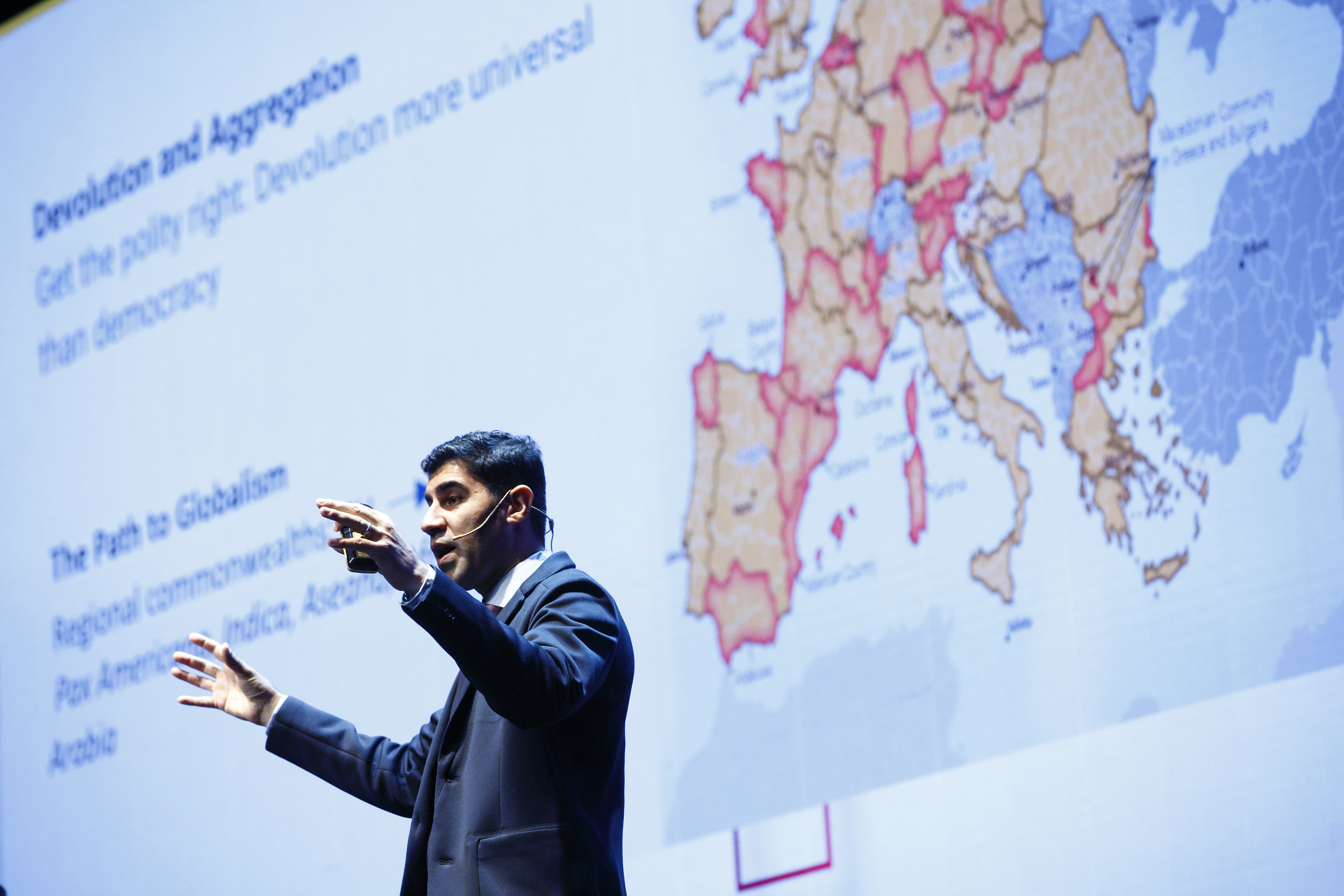 Parag Khanna Author Keynote Speaker at AECOC CONGRESS