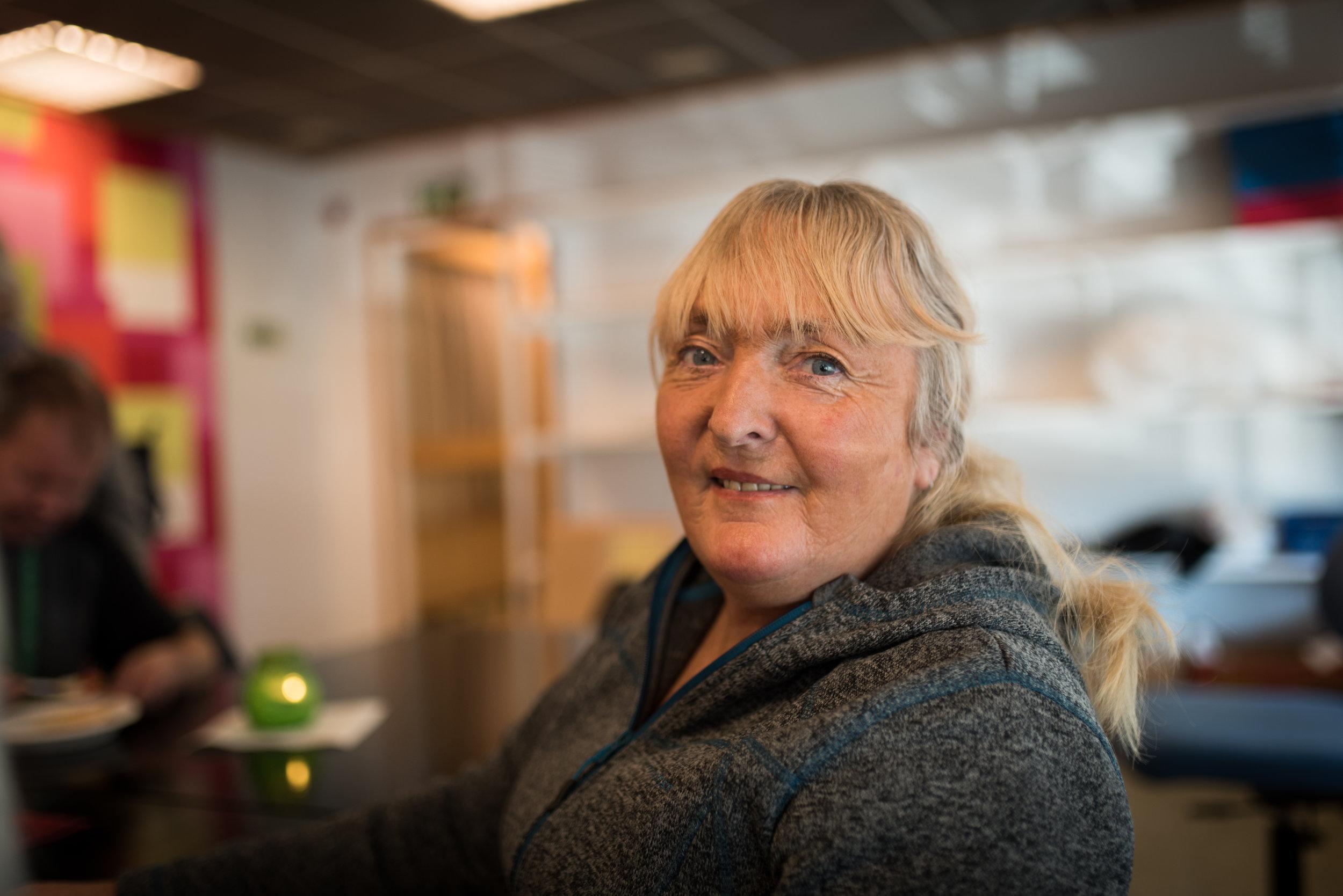 Grete Mona Jørmeland å være en samtalepartner for de hun møter via Foreningen Åpen Dør.