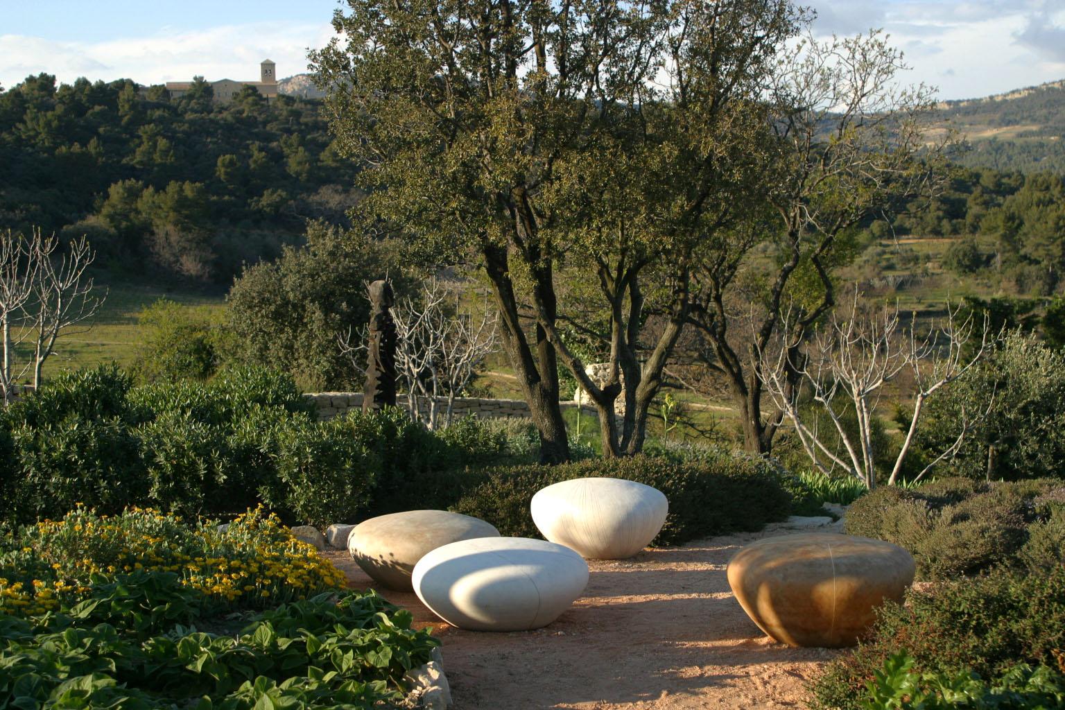 Hannah Bennet's ceramic seats at La Jeg (11).jpg