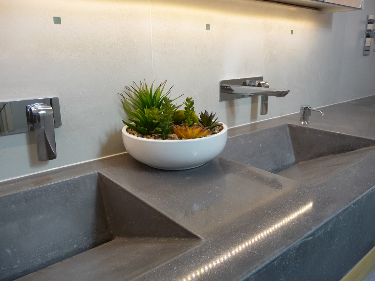 Ramp sink vanity