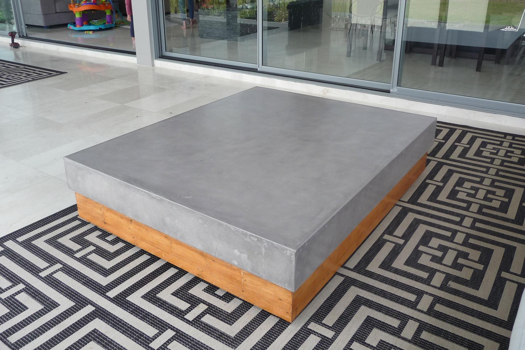 Concrete_Coffee_Table_02.jpg