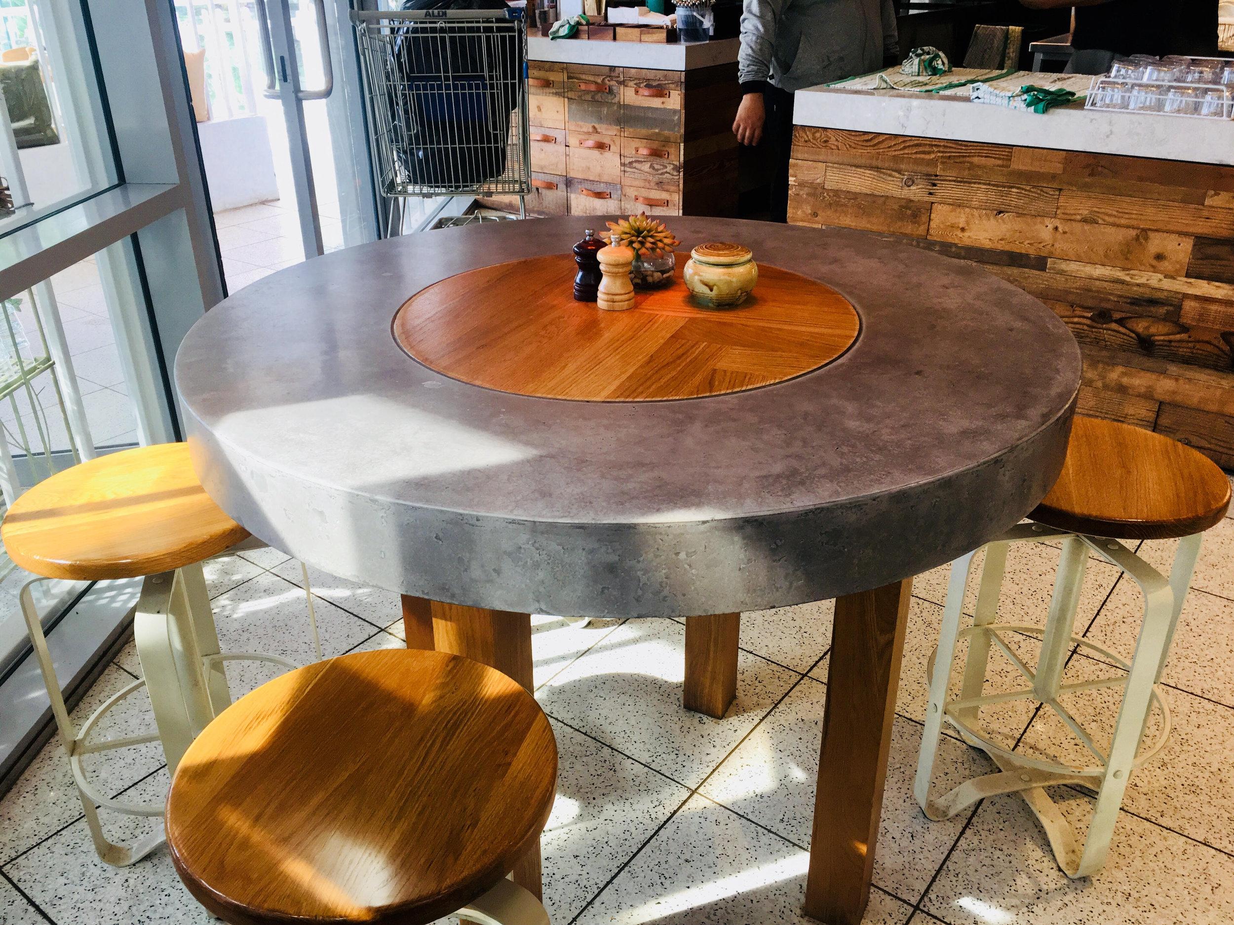 Concrete_Round_Table.jpg
