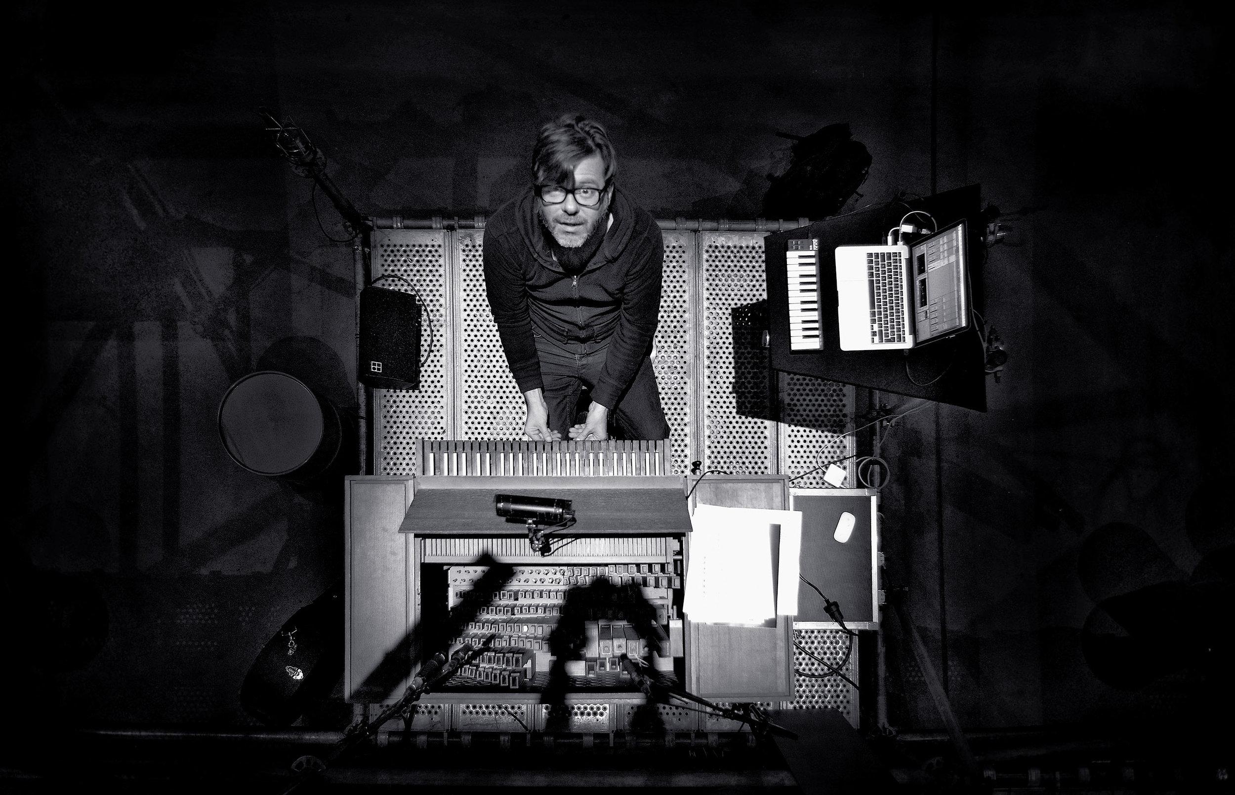 David Van Bouwel - Earth Diver
