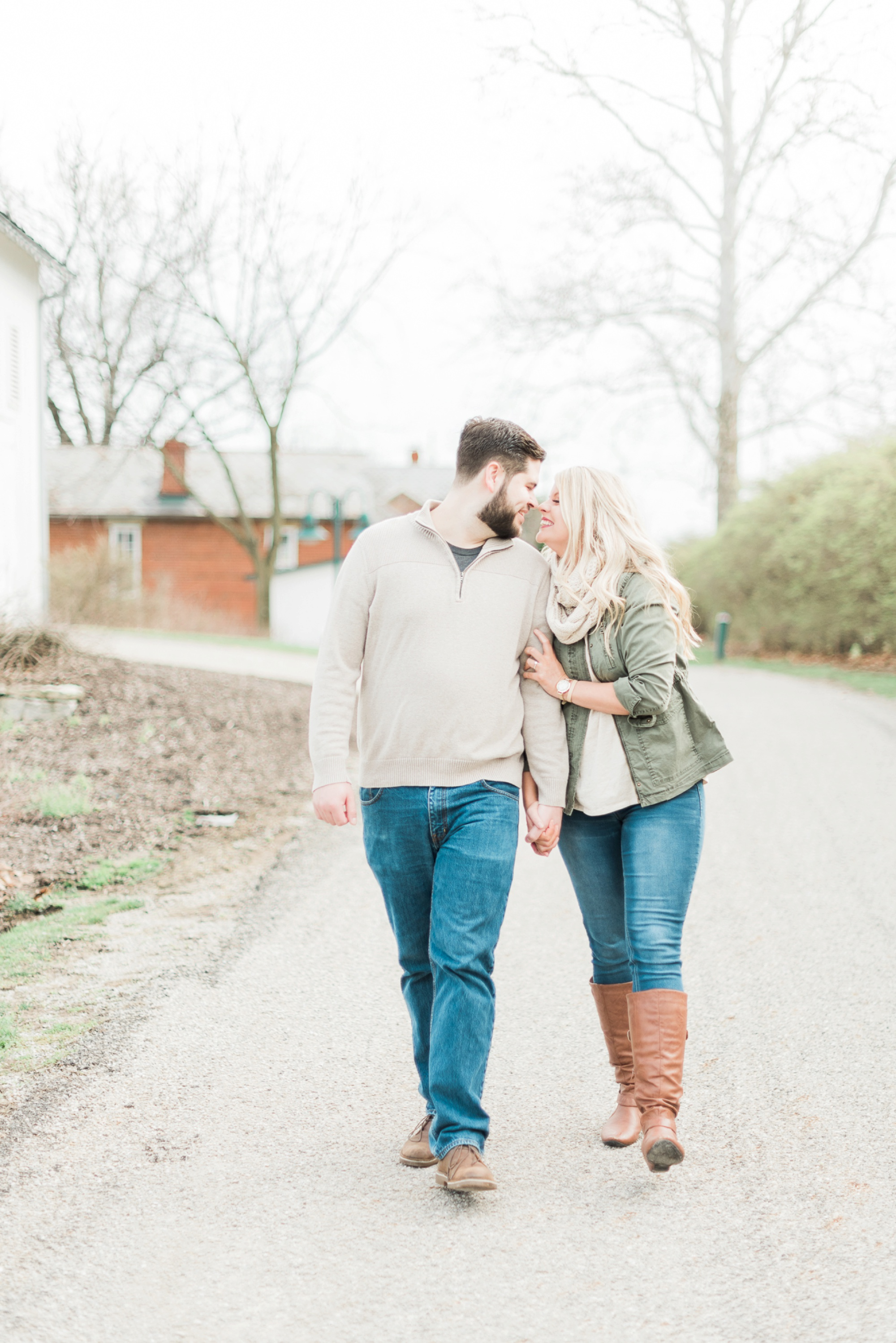 everal-barn-homestead-westerville-ohio-engagement-9.jpg