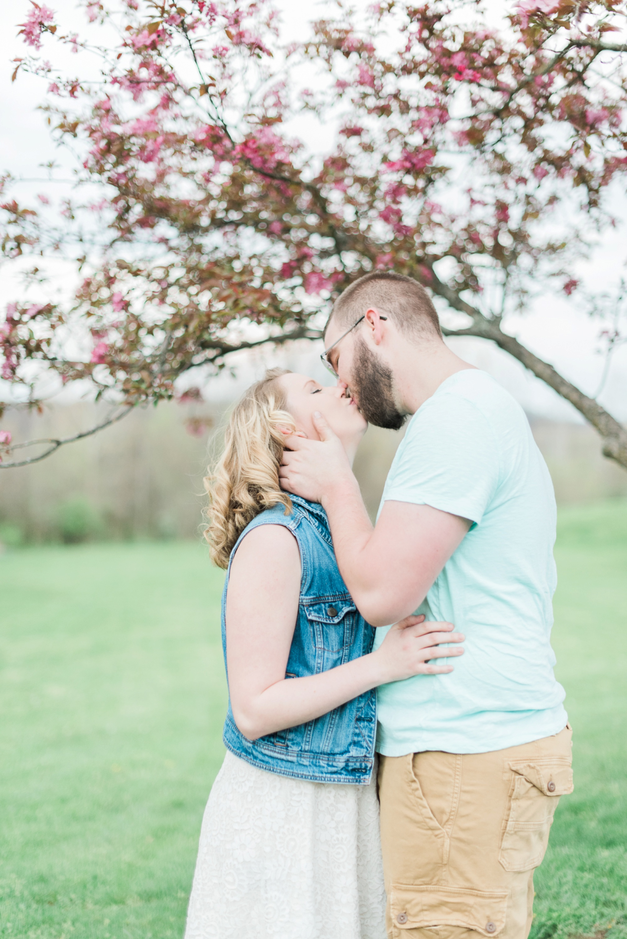 alley-park-lancaster-ohio-engagement-session-50.jpg