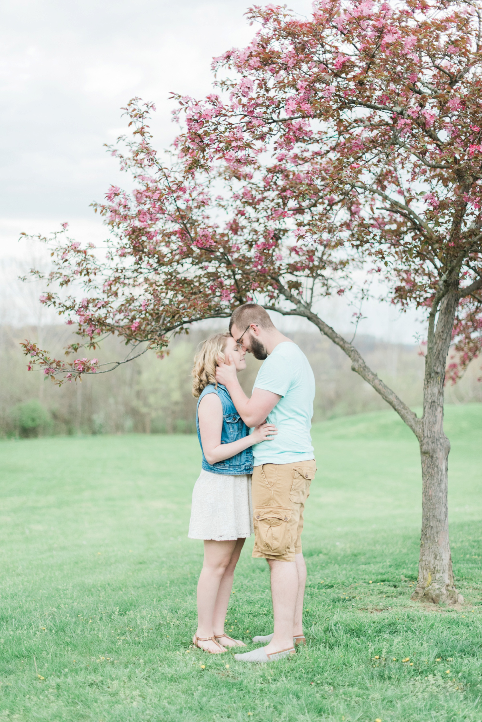 alley-park-lancaster-ohio-engagement-session-51.jpg