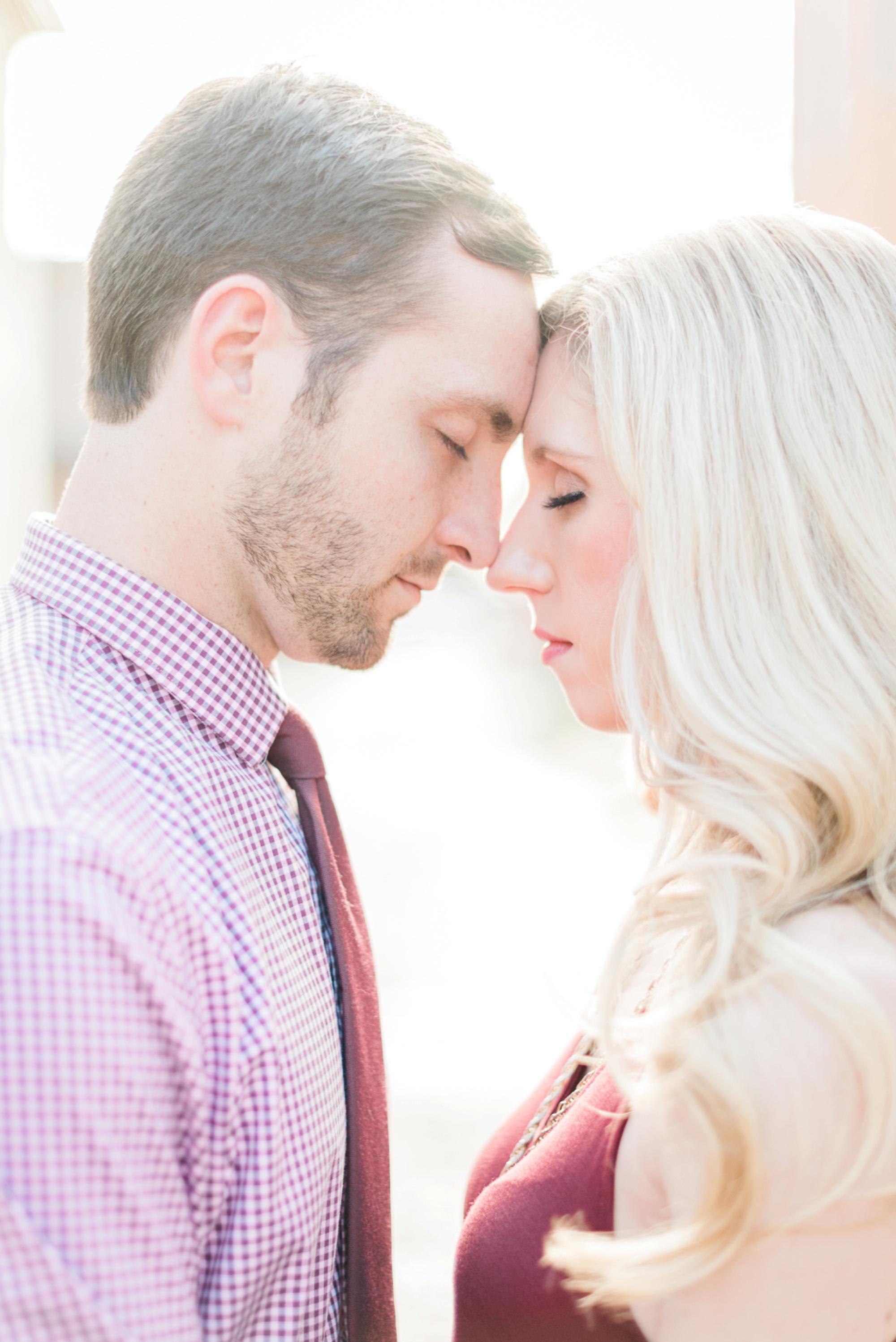 german-village-engagement-session-columbus-ohio-wedding-photographer-25.jpg