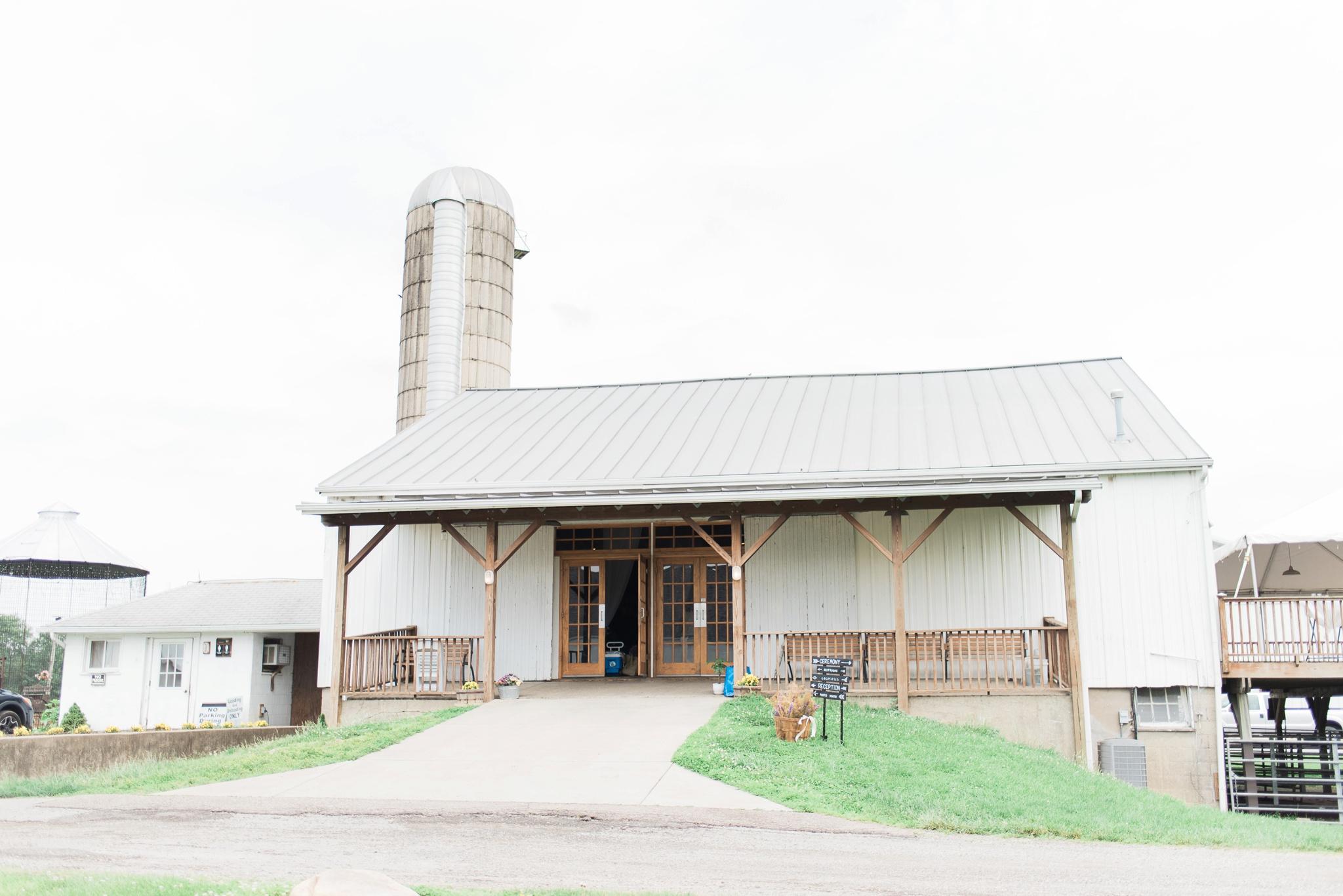 niederman-farm-wedding-cincinnati-ohio-photographer_0001.jpg