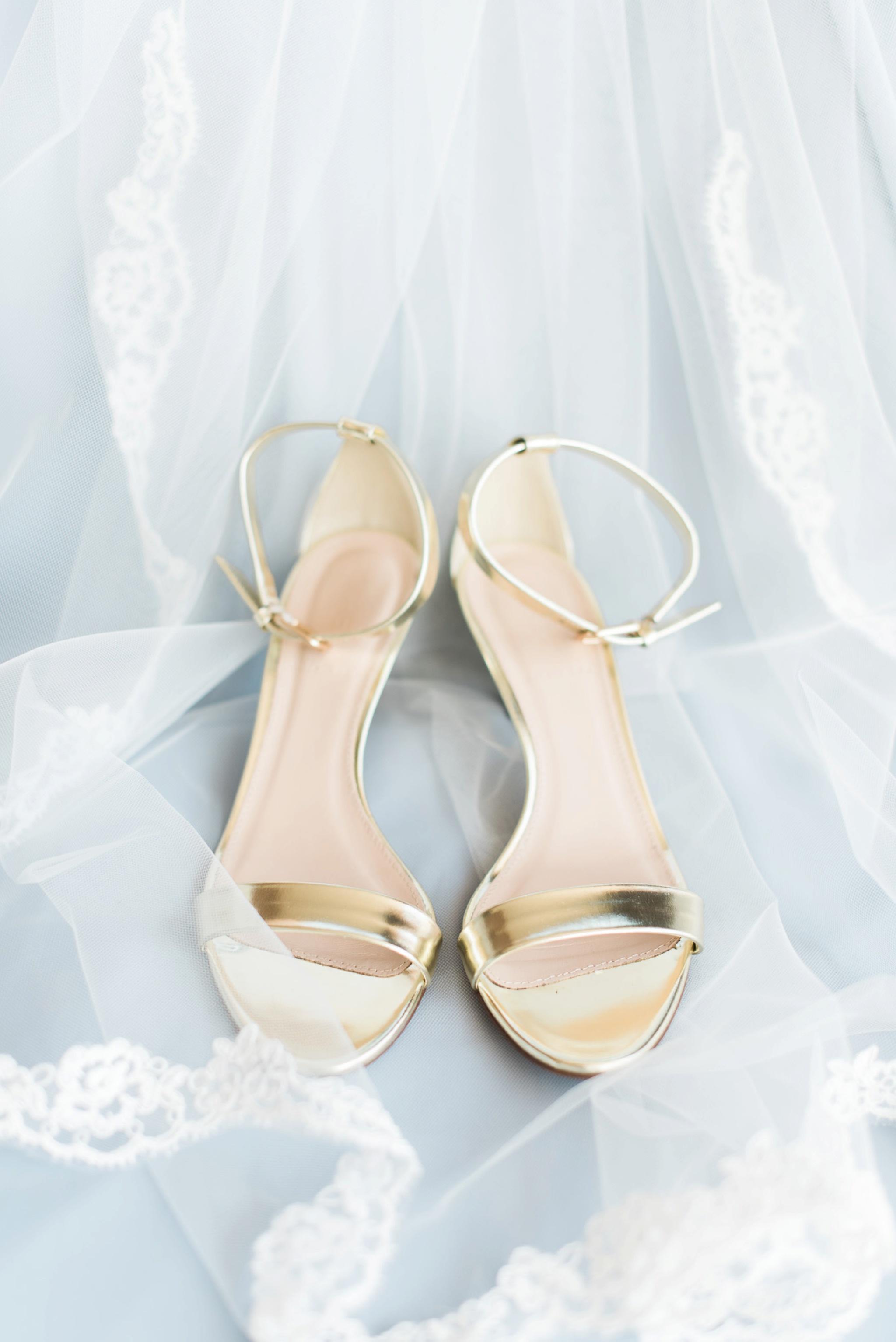 sunbury-ohio-wedding-hannah-johnathan_0009.jpg