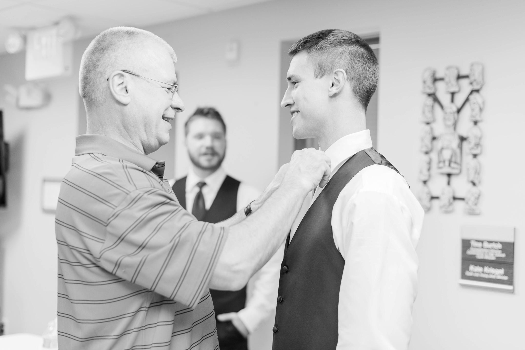 sunbury-ohio-wedding-hannah-johnathan_0015.jpg