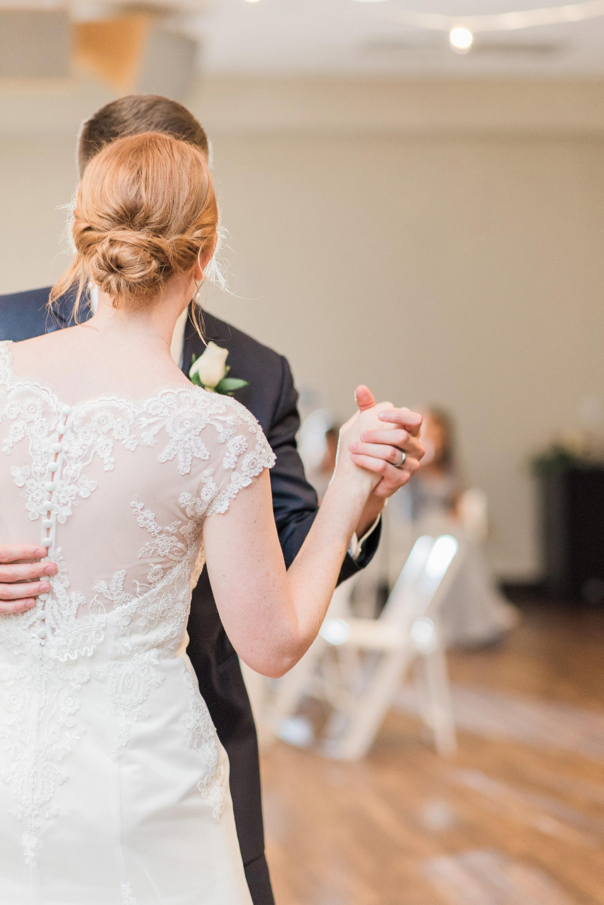 sunbury-ohio-wedding-hannah-johnathan_0137.jpg