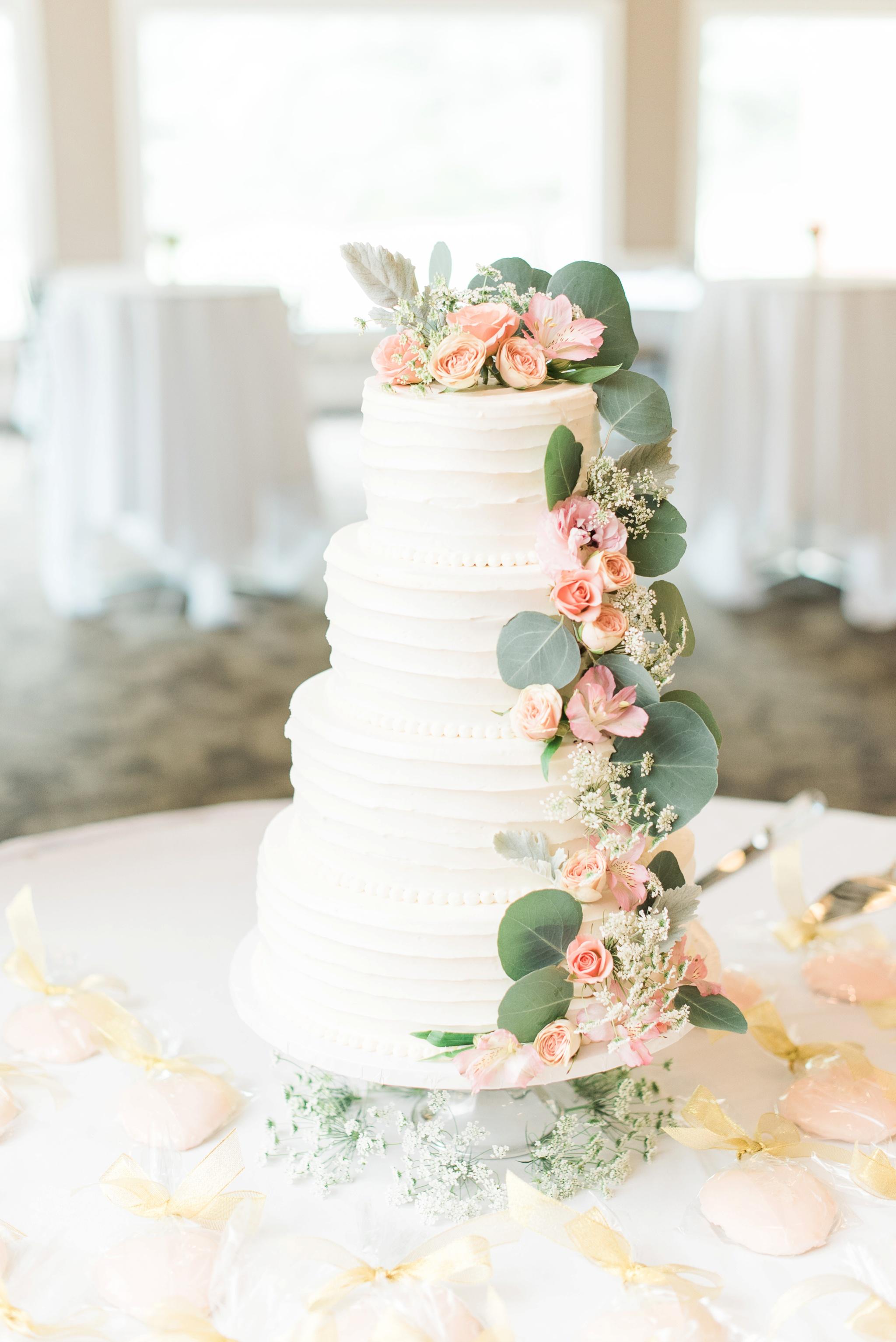 worthington-hills-country-club-wedding-columbus-ohio-meg-evan_0045.jpg
