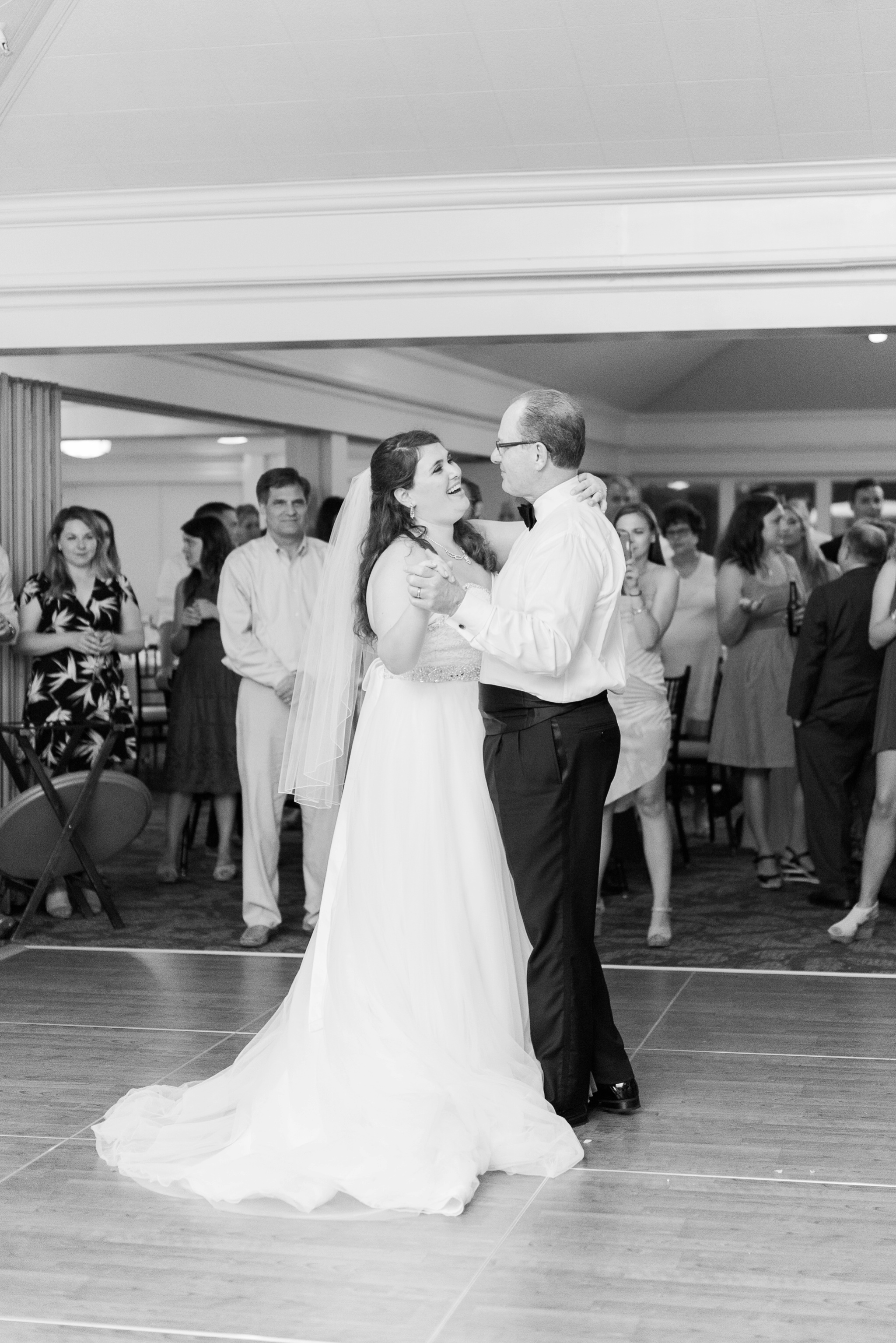 worthington-hills-country-club-wedding-columbus-ohio-meg-evan_0110.jpg