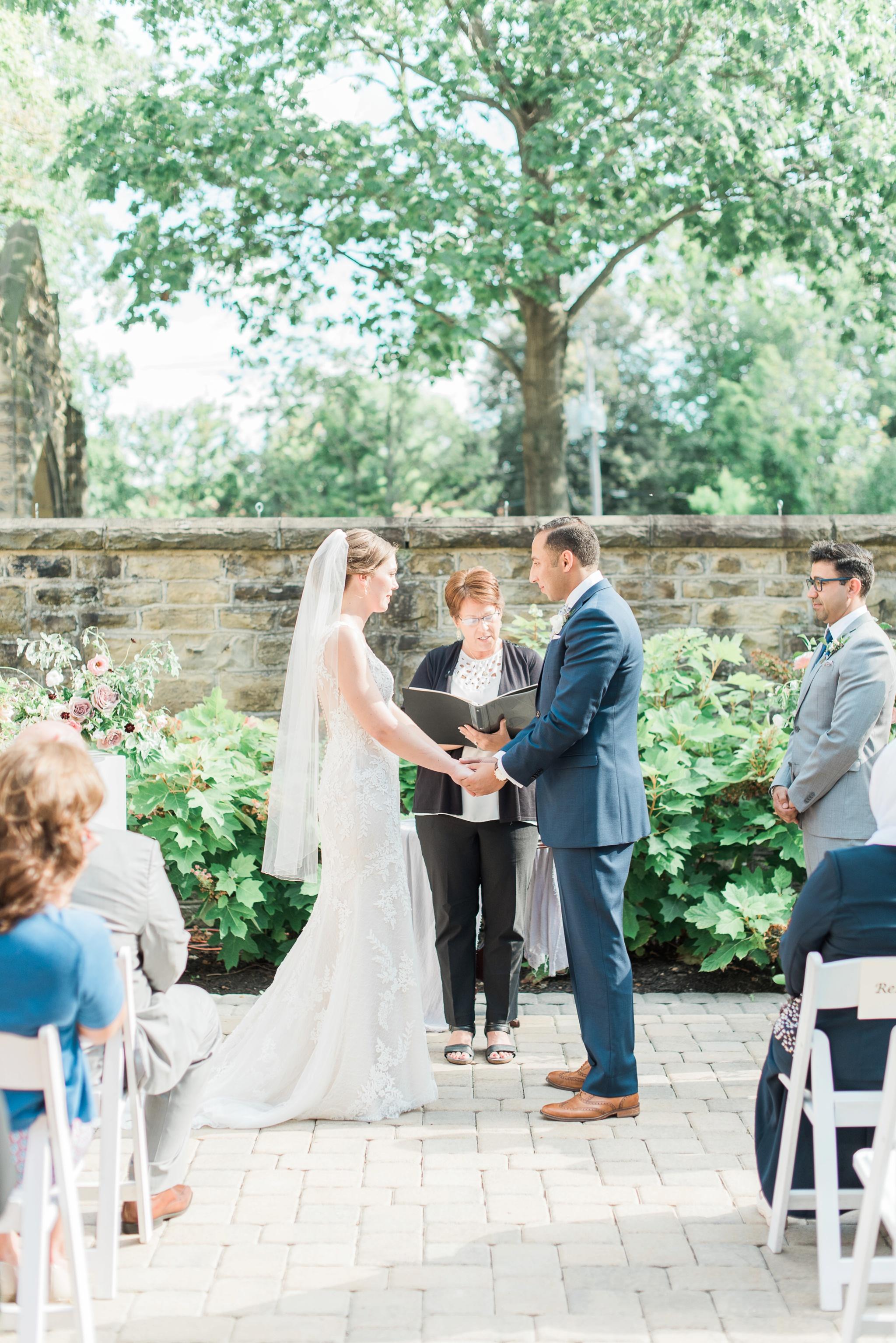 granville-inn-wedding-columbus-ohio-photographer_0040.jpg