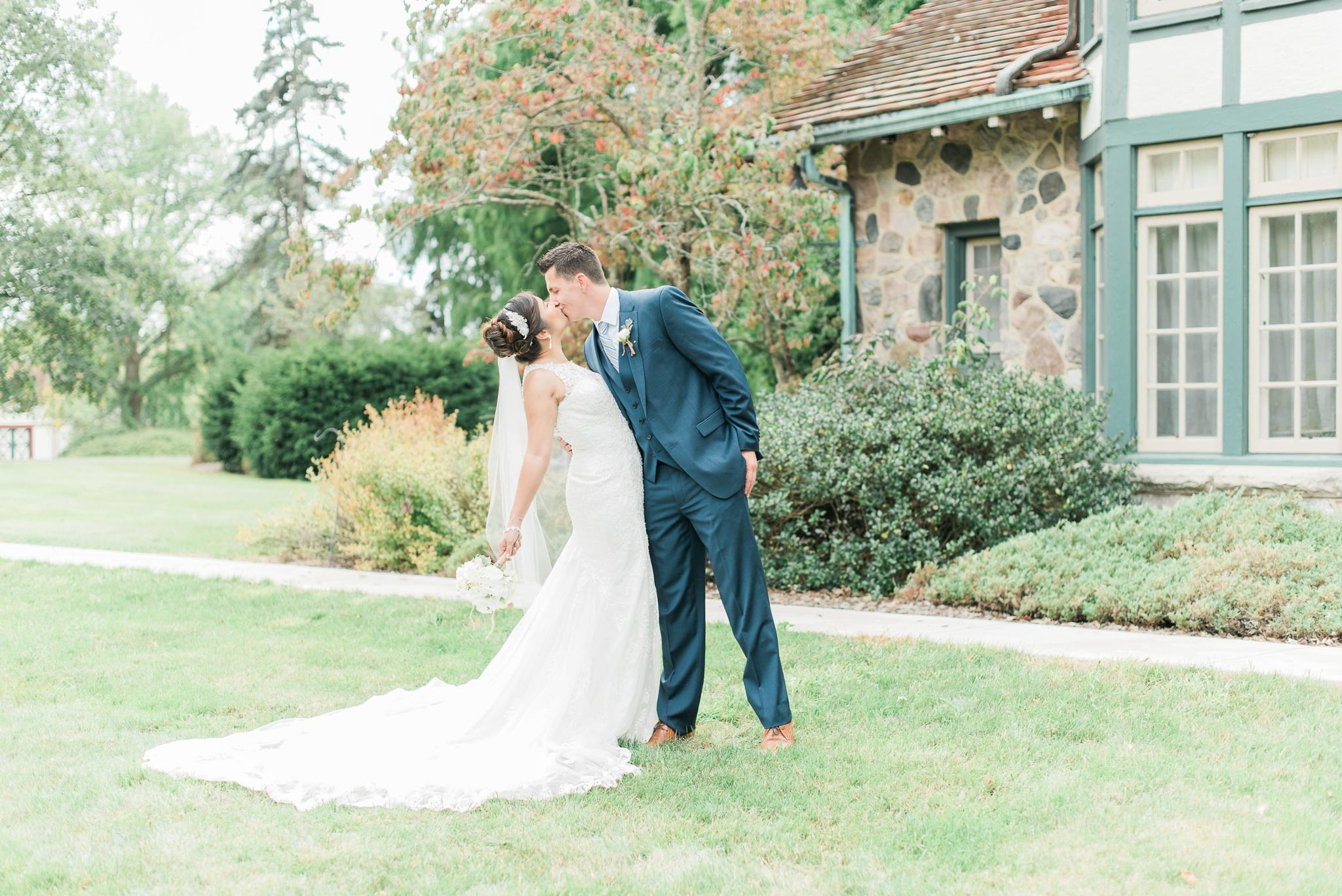 beverly-mansion-wedding-marengo-ohio-photographer_0024.jpg