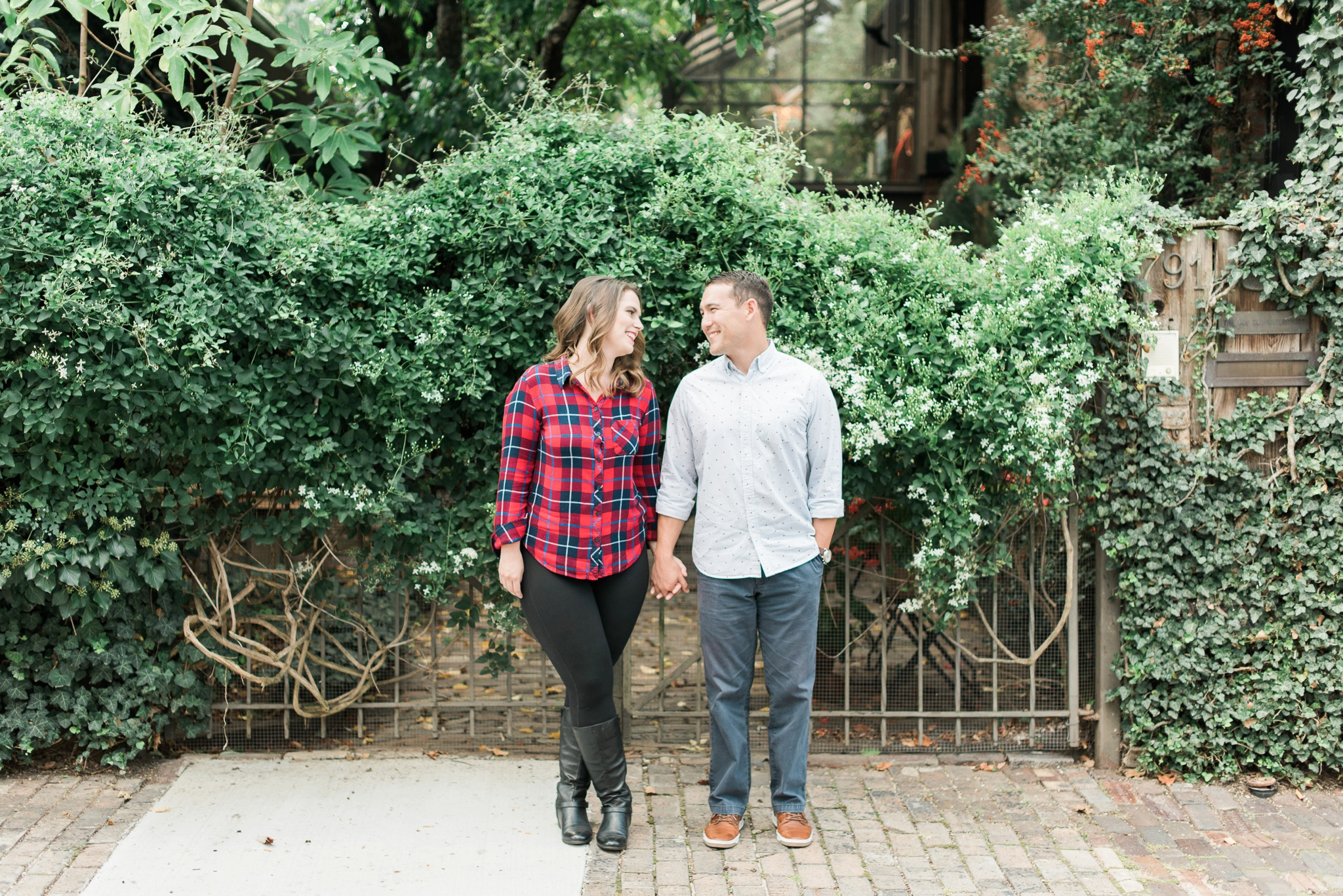 downtown-columbus-german-village-engagement-session-6.jpg