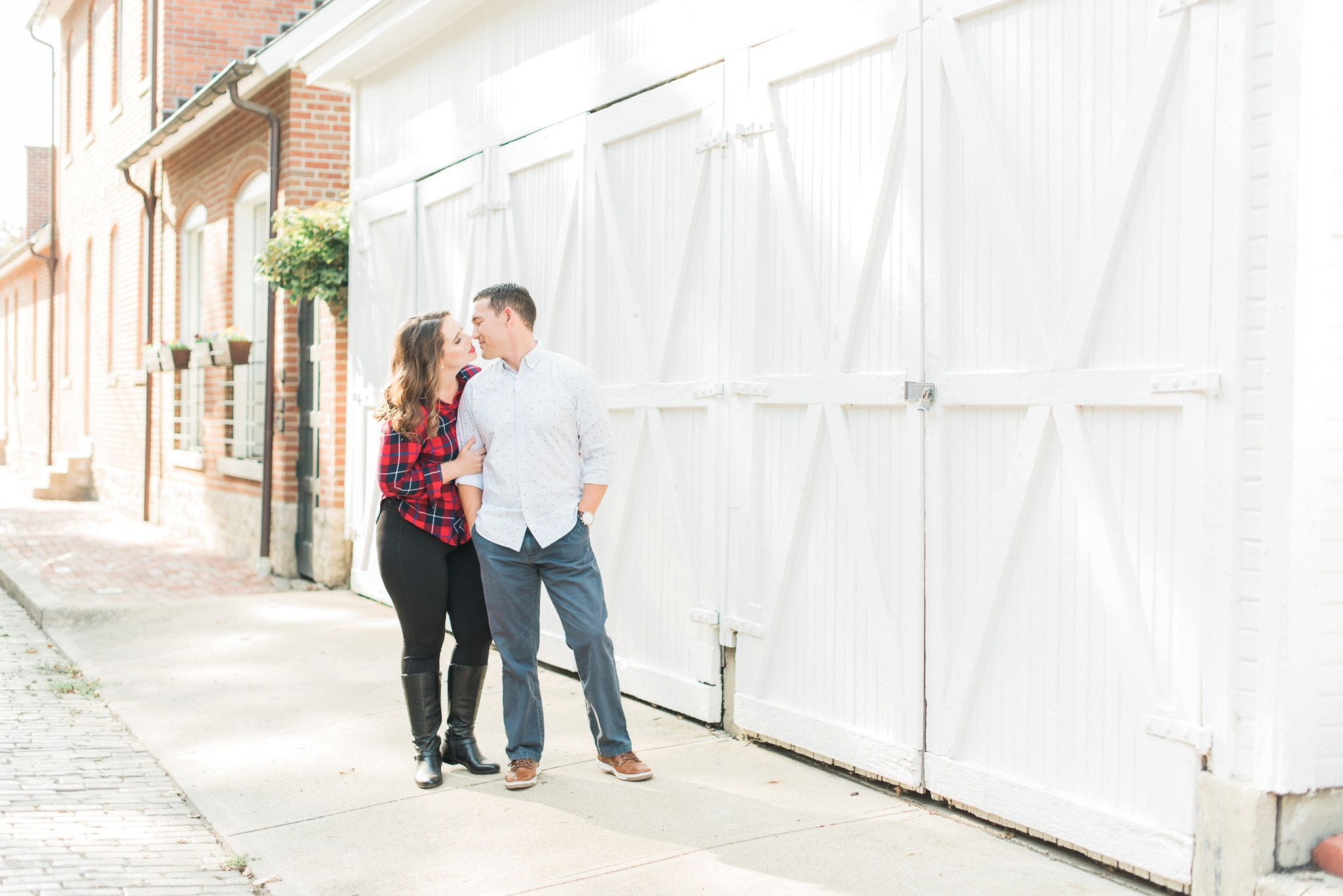 downtown-columbus-german-village-engagement-session-19.jpg