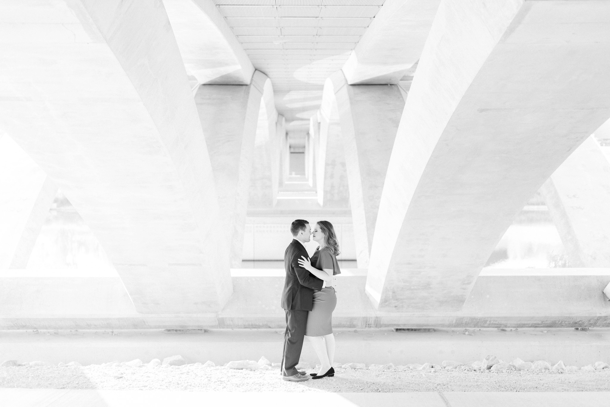 downtown-columbus-german-village-engagement-session-32.jpg