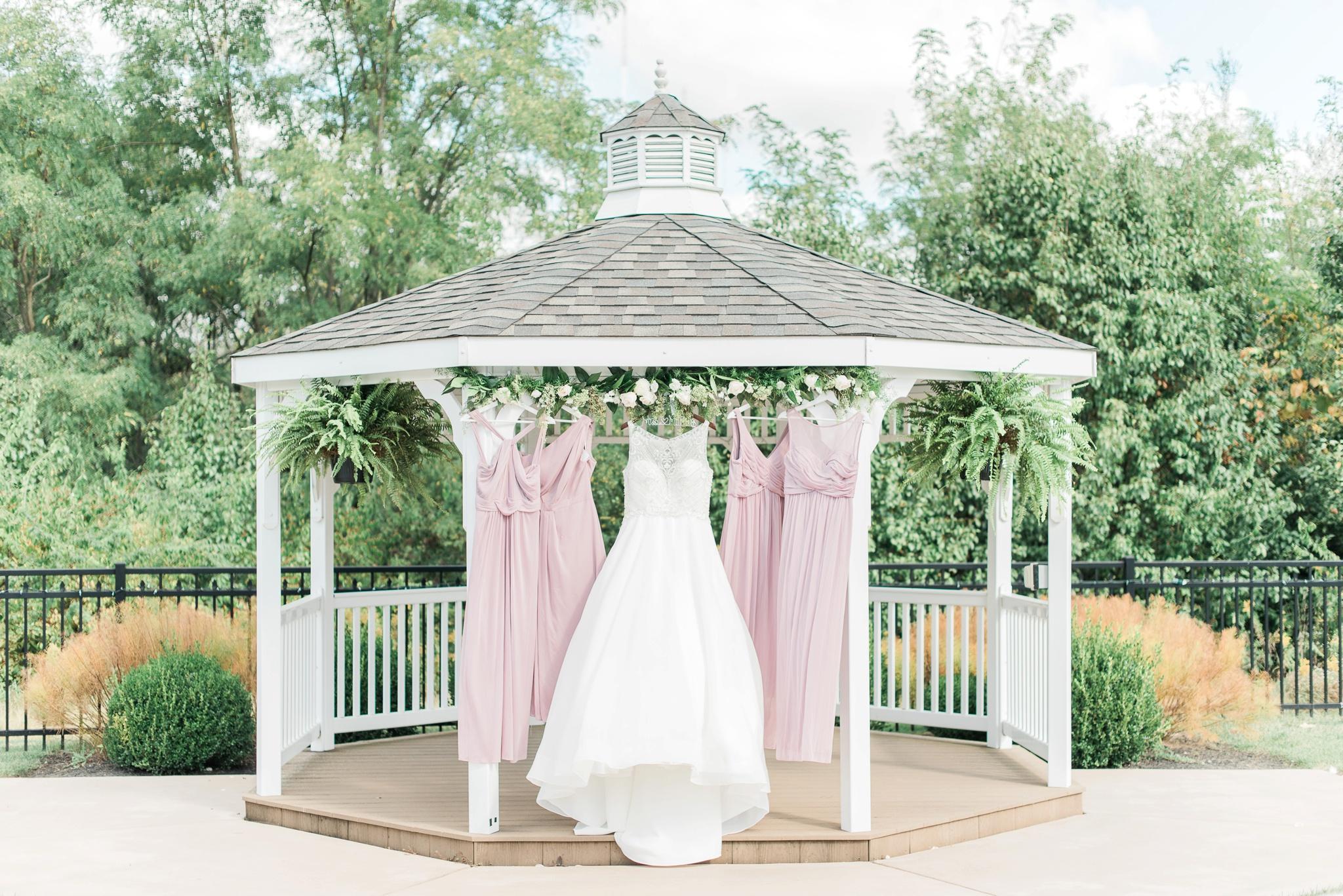 aladdin-shrine-center-wedding-grove-city-ohio-amber-jared_0002.jpg