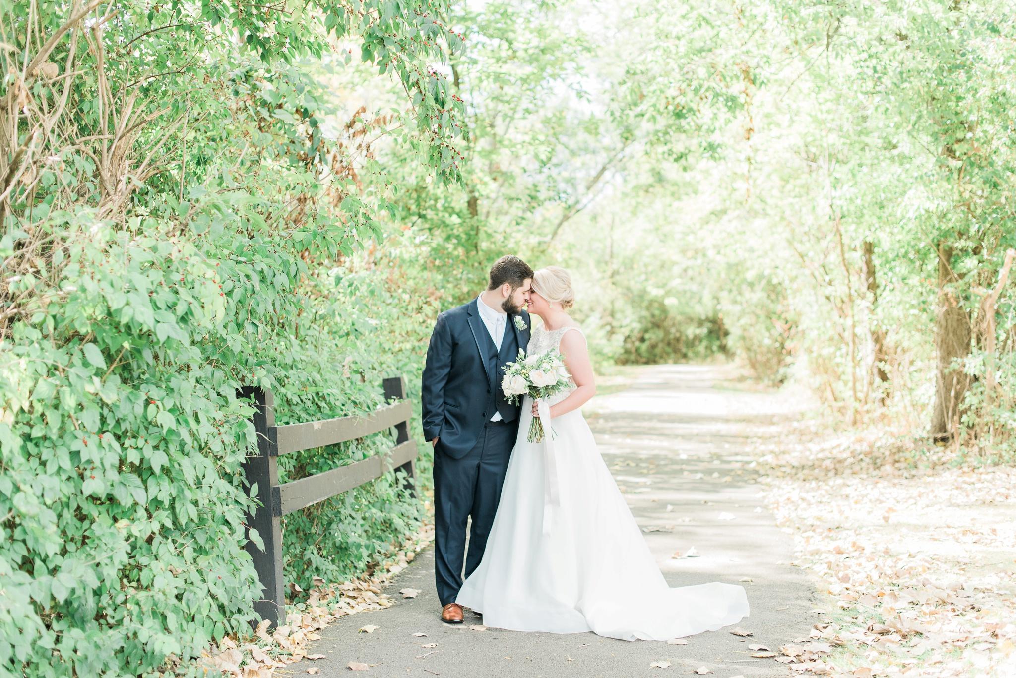 aladdin-shrine-center-wedding-grove-city-ohio-amber-jared_0036.jpg
