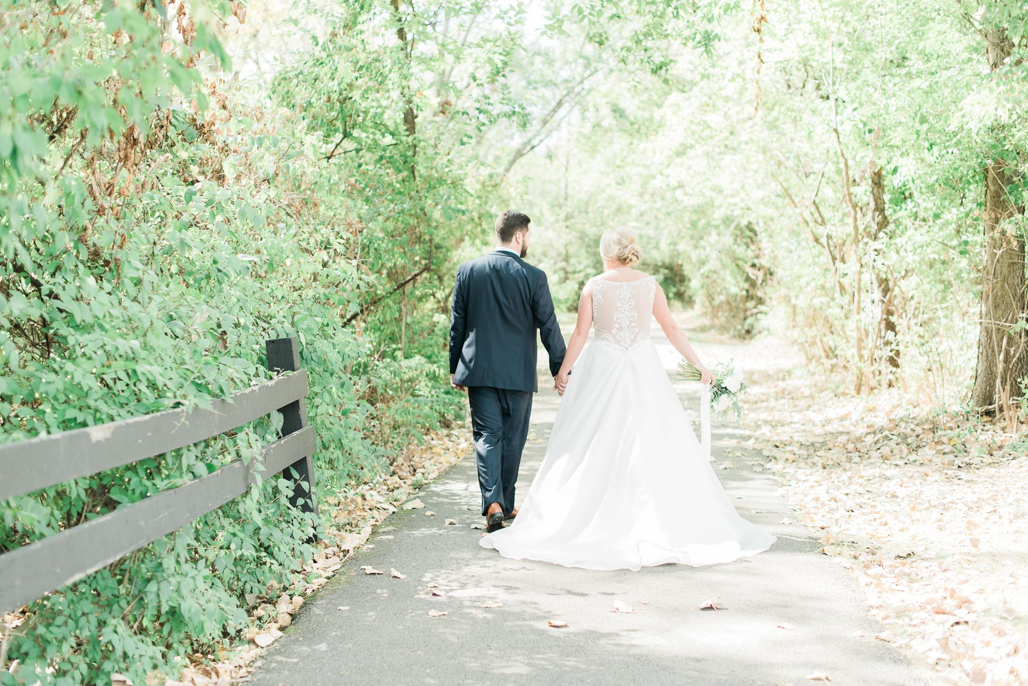 aladdin-shrine-center-wedding-grove-city-ohio-amber-jared_0038.jpg