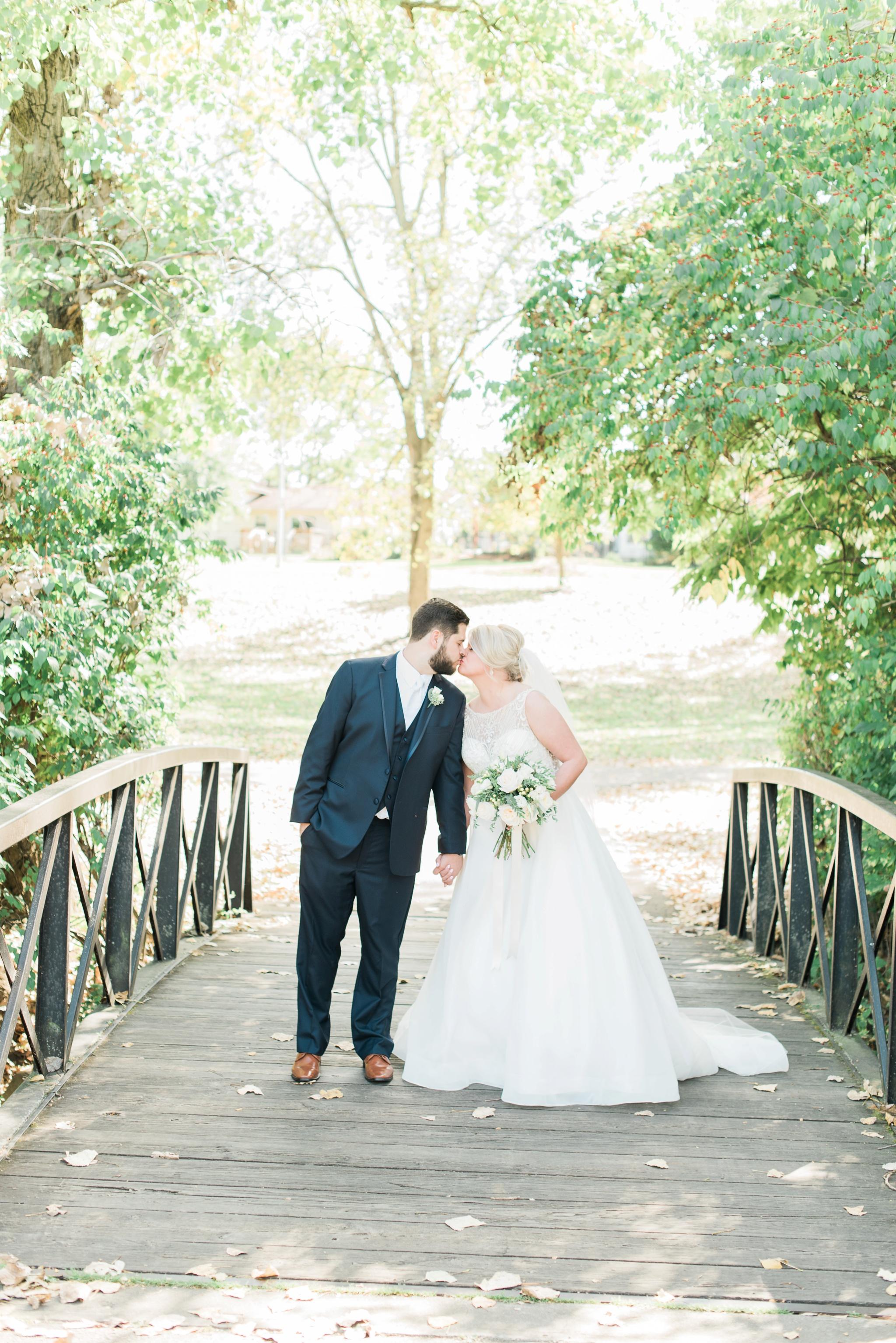 aladdin-shrine-center-wedding-grove-city-ohio-amber-jared_0087.jpg