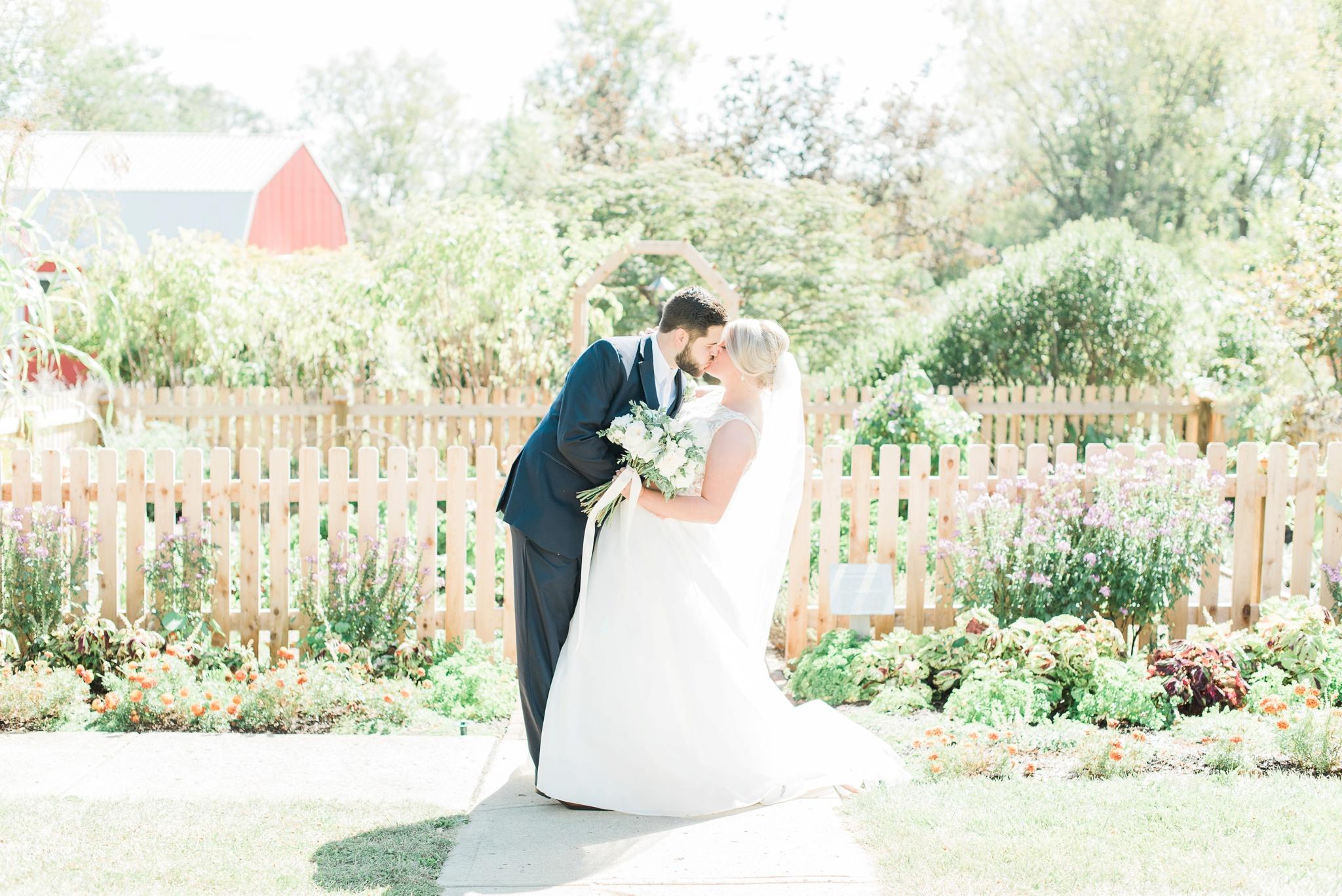 aladdin-shrine-center-wedding-grove-city-ohio-amber-jared_0094.jpg
