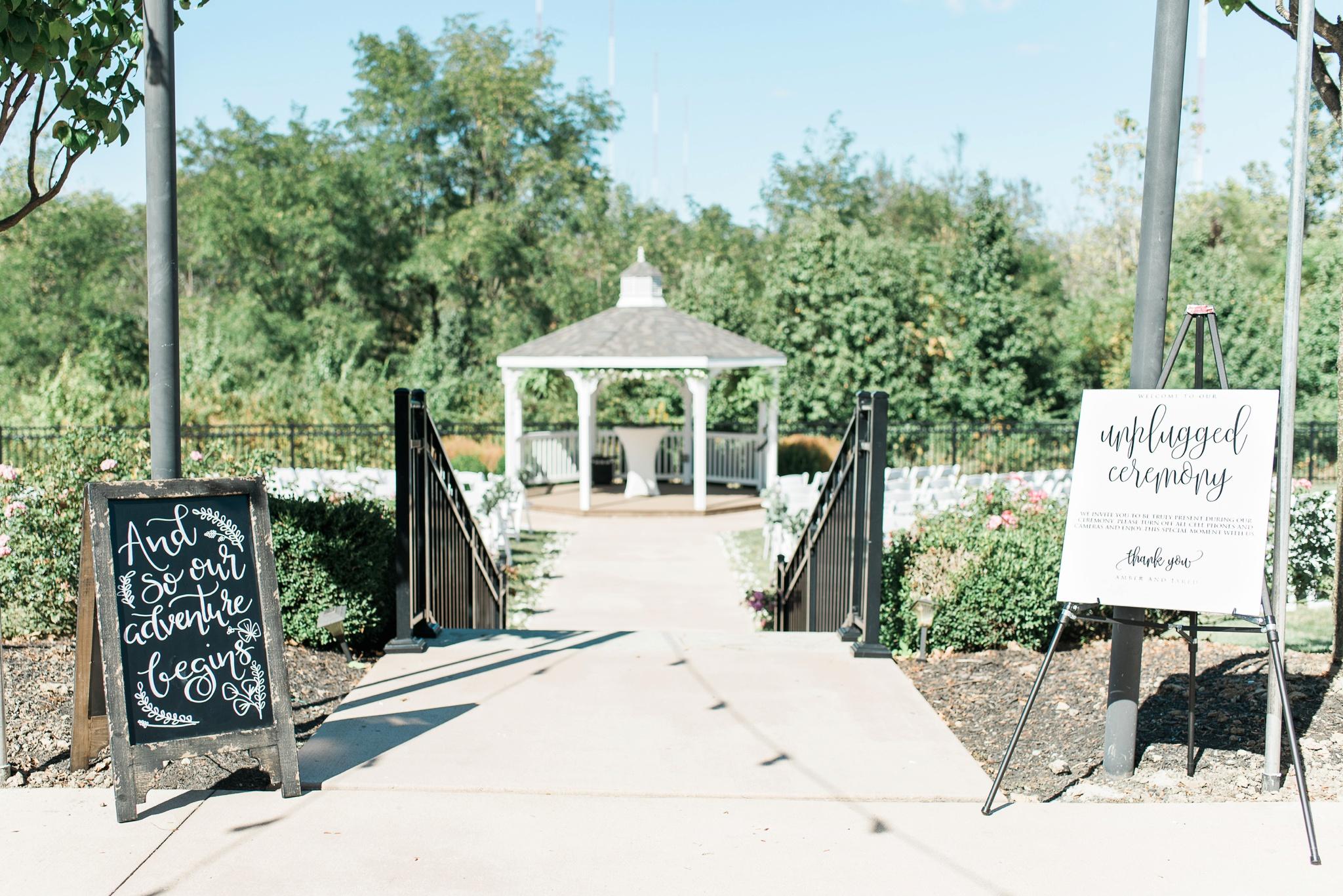 aladdin-shrine-center-wedding-grove-city-ohio-amber-jared_0104.jpg