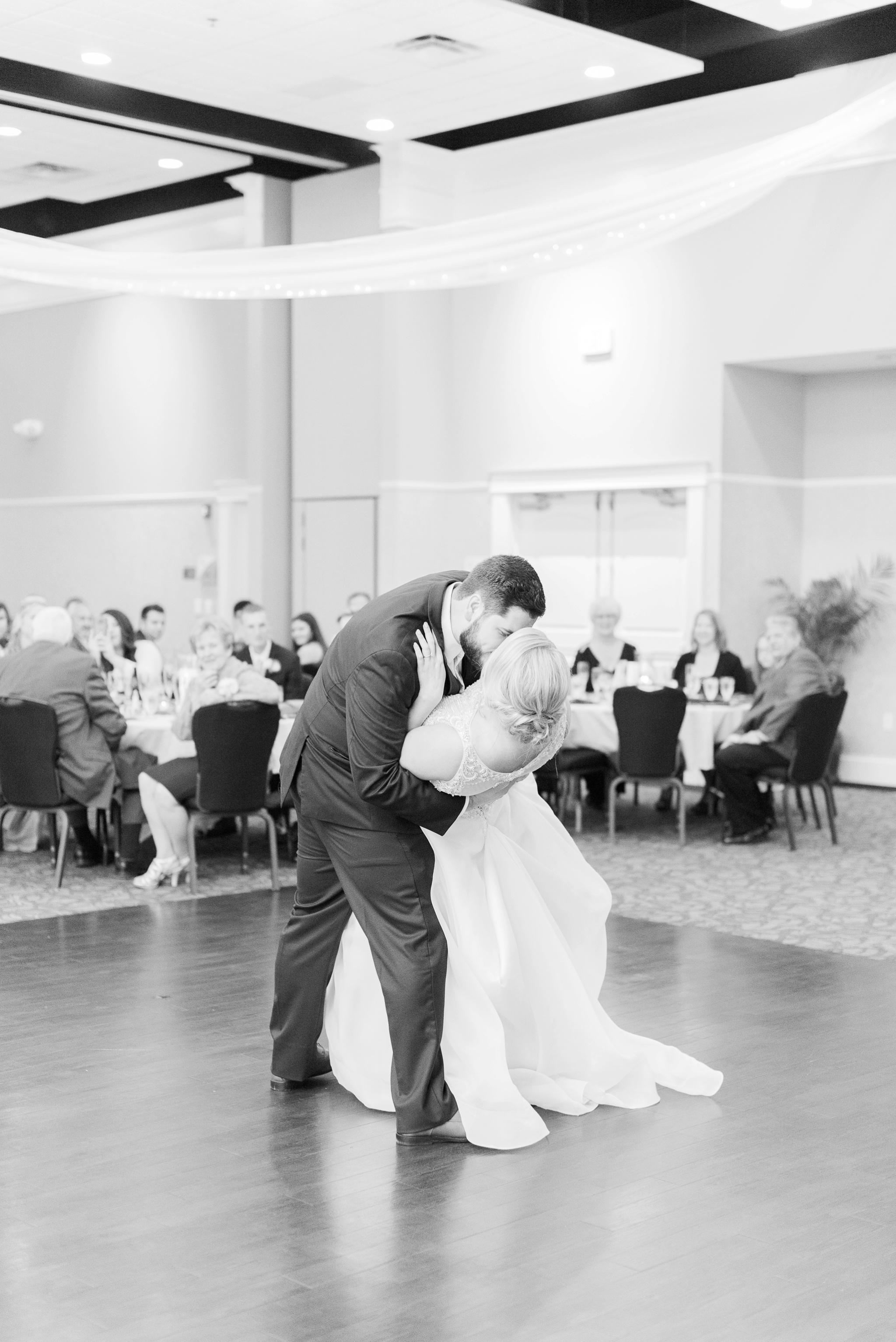 aladdin-shrine-center-wedding-grove-city-ohio-amber-jared_0128.jpg