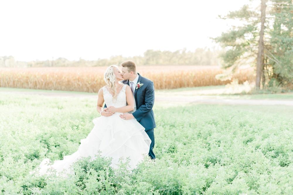 blessings-farmstead-wedding-lancaster-ohio-whitney-colby_0136.jpg