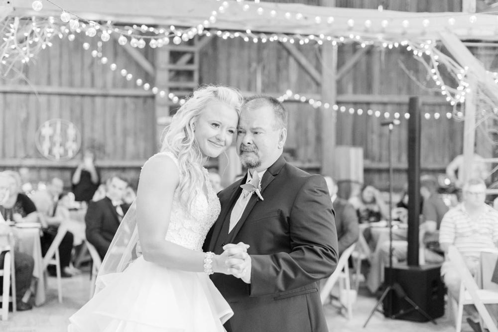 blessings-farmstead-wedding-lancaster-ohio-whitney-colby_0168.jpg