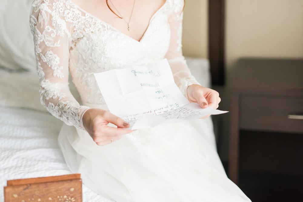 ohio-university-walter-hall-wedding-athens-anna-mark_0015.jpg