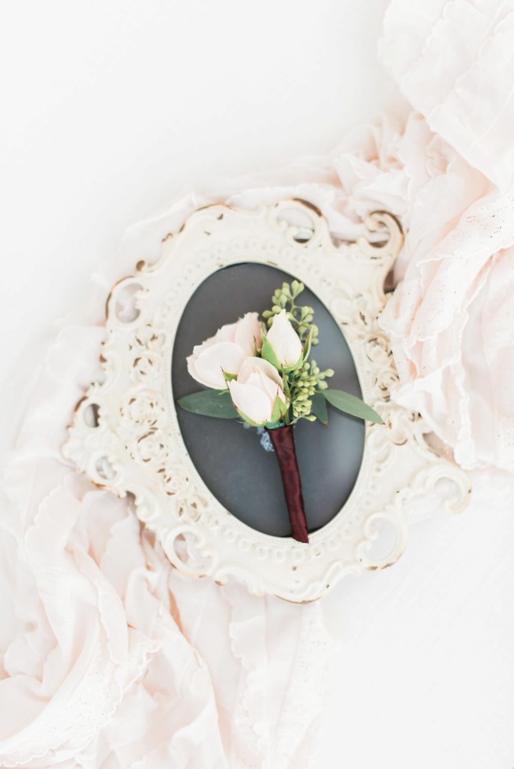 brookshire-delaware-ohio-december-wedding_0009.jpg
